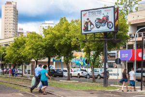 Painel 5 - Trilhos (Sentido Parte Baixa da Av. Barão do Rio Branco)